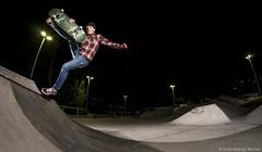 Luciano Vallejo - Fs Boneless (Silvio Rodrigo Mendez) Tags: winter night jump shoot skateboarding flash skatepark skate boneless dieta chano strobist