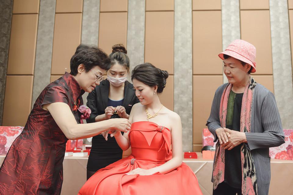 婚禮攝影-台南情定婚宴城堡永康館-17