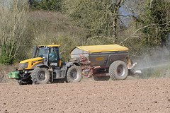 JCB Fastrac 2155 Tractor with a Bredal K85 Bulk Spreader (Shane Casey CK25) Tags: county ireland horse irish plant tractor field set work pull spread compound hp nikon power jcb earth farm cork farming working cereal grow machine ground machinery soil dirt till crop fertilizer crops growing farmer agriculture dust setting cereals eci pulling contractor planting sow drill horsepower tilling bulk drilling spreading sowing spreader agri tillage fastrac fert 2155 k85 bartlemy d7100 bredal