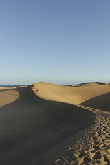 (laurasalvio) Tags: espaa luz grancanaria sombra arena dunas lineas puestadelsol