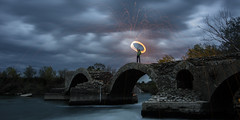 Light and Roman bridge (Mathieu Calvet) Tags: lightpainting france pentax steel tripod 34 k5 languedocroussillon hrault whool poselongue trpied pontromain da1224 saintthibery pailledefer steelwhool