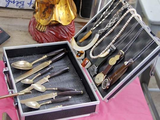 bộ dao nĩa dát vàng ngàn đô