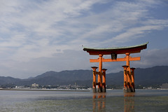 Itsukushima sea tori (Scalino) Tags: sea water japan island miyajima tori shinto japon itsukushima