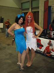Betty and Wilma (FranMoff) Tags: costume wilma cosplay betty 2014 bettyrubble costumer wilmaflintstone flintsones rhodeislandcomiccon ricomiccon