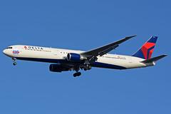 jfk19 (MK16photo) Tags: nikon jets delta jfk boeing tamron 70200 f28 spotting 767 planespotting deltaairlines 767400 avgeek 31r d7100 tamron70200vc