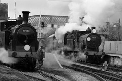 SwR 19671crbw (kgvuk) Tags: station trains railwaystation locomotive corfe railways 440 steamtrain m7 corfecastle steamlocomotive manston t9 462 battleofbritainclass swanagerailway 30120 30053 044t corfecastlestation 34070 lswrgreyhound