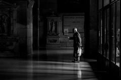 Adoraciones (Medigore) Tags: chile street santiago byn blancoynegro luz persona photography 50mm monocromo iglesia sombra fotografia sentir callejera adorar medigore canont3i
