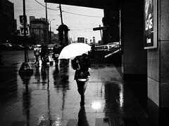 Moscow. 04.2016 (Woodent) Tags: bw film moscow streetphotography diafine umbrela nikons2 orwon74plus voigtlandersskopar5025