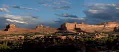 Wooden Shoe Arch (snowpeak) Tags: sunset canyonlands needles woodenshoearch