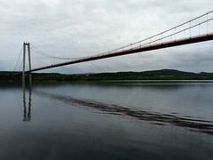 Rda linjen (Bettysbilder) Tags: bridge water bro vatten
