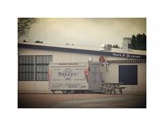 Backup unit (J a n W i l l e m) Tags: food car restaurant cafe pentax takumar diner 25 icecream snack kr 135 135mm ijs bayonet paviljoen