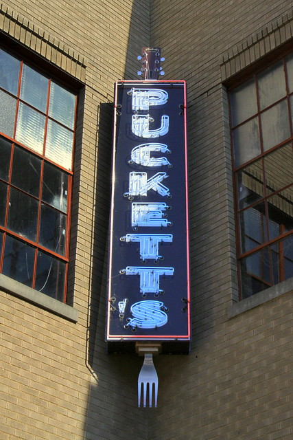 Puckett's neon sign - Columbia, TN