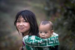 "Vietnam: enfants ""Lolo Noir"" du Haut Tonkin. (claude gourlay) Tags: vietnam asie asia tonkin indochine claudegourlay portrait retrato ritratti hagiang caobang lolonoir ethnic minority minorit ethnie hmong hmongblanc"