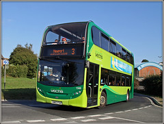 1588, Ventnor (Jason 87030) Tags: hw63fhk 1588 southernvectis 3 newport ventnor wroxhall road roadside green sunny holiday summer august 2016 doubledecker e400 transport vehicle color colour school