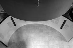 Semicrculos (Jo March11) Tags: austria carnuntum museo museocarnuntinum arquitectura arqueologa historia ieletxigerra idoiaeletxigerra eletxigerra canon canoneos monocromo blancoynegro
