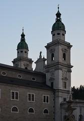Salzburg, Dom (phlpp.hrm) Tags: moon salzburg austria mond sterreich dusk dom altstadt oldtown abenddmmerung