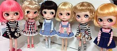 My blythe family *____- (Aya_27) Tags: bigeyes doll dresses blythe custom poisongirl bighead fbl dollie rbl outfitbyme pamdoll vainilladolly freddytan tiinajusttiina petitecreayations