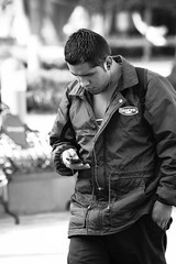 tequis6x4-3924 (gerez2307) Tags: mexico mobil queretaro celular hombre joven muchacho tequsiquiapan