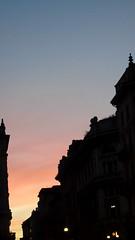 tramonto in via torino (stefania.tarantola) Tags: christmas xmas city sun milan italia tramonto famiglia milano centro rosa noel via cielo mamma piazza duomo gita sole inverno natale freddo sunnyday citt viatorino piazzaduomo madonnina centrocitt madunina