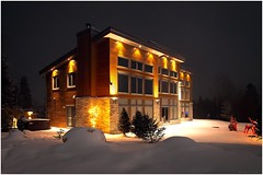 Weekend Cottage ~ Chalet de fin de semaine (SergeK ) Tags: wood trees light snow ski architecture night weekend cottage chalet neige nuit lumber bois 2015 contemporain sapins findesemaine valstcome sergek