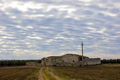 Casolare Abbandonato | Acquaviva delle Fonti (skattone) Tags: cloud countryside nuvole campagna acquaviva puglia casolare apulia masseria acquavivadellefonti weareinpuglia