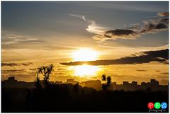 Siluetas II (PFG fotografa) Tags: sunset espaa sol canon de luces spain san gijn asturias playa lorenzo silueta puesta naranja gijon siluetas xixon anochecer asturies xixn contornos pericones eos1000d
