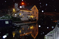 Lymm Village on Boxing Day (Chris Beesley) Tags: winter snow cold reflection canal cheshire boxingday freezing snowing lymm