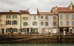 Quai Georges Clemenseau (mr80gramkaas) Tags: street house fish france maritime lobster hdr charente
