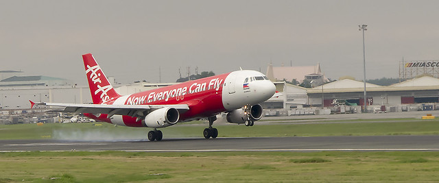 AirAsia Airbus A320 arrives Manilas Ninoy Aquino International Airport