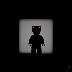 Shadow (168/100) - Cyberman (Ballou34) Tags: light shadow canon toy toys photography eos rebel blackwhite flickr lego stuck who dr plastic doctor bbc drwho cyberman photgraphy minifigure afol 2016 minifigures toyphotography 650d t4i eos650d legography rebelt4i legographer stuckinplastic ballou34 enevucube 100shadows
