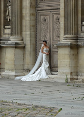 Wedding photos at the Louvre (eutouring) Tags: life city travel wedding paris france bride louvre citylife weddingphotos weddingphoto louvremuseum museelouvre pariscitylife