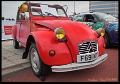 Citroen 2CV (zweiblumen) Tags: uk england classic car coventry hdr westmidlands citroen2cv polariser canoneos50d zweiblumen coventrymotofest