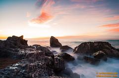 DSC01277.jpg (avi_olmus) Tags: espaa mar agua playa paisaje arena amanecer nubes invierno es olas roca catalua filtros montgat cokinnd4 raymasternd8soft
