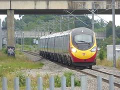 Virgin Trains 'Pendolino' passes Milton Keynes Central (4/7/16) (*ECMLexpress*) Tags: west coast central trains class virgin emu milton keynes 390 pendolino wcml