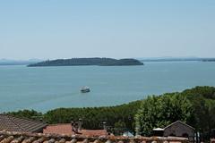 Traghetto in corsa (FabioNardozzi) Tags: umbria passignano trasimeno nikon d5500 1855mm lago