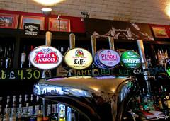 Pub (Dinarte França) Tags: pub london bridge beer stella seffe somersby wine uk night coffee under peroni bar tower