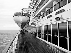 navigazione (Carlo Mirante) Tags: life street bridge cruise november autumn sea sky blackandwhite bw mer black reflection water canon landscape mirror novembre foto view emotion vessel powershot deck nave lifeboat cielo promenade cruiseship coolpix fotografia qm2 autunno bianco nero queenmary2 cunard navigation crociera atsea paesaggio nord crucero oceanliner whitestar 2014 s200 mardelnord