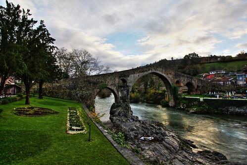 Puente Romano de Cangas de Onís. HDR.