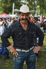 El Dia de La Familia Portraits (Ted Somerville) Tags: park family people festival familia america portraits festive mexico faces gente indianapolis centro culture celebration retratos mexican linda caras dowtown cultural select naptown militarypark