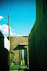 Naein (cranjam) Tags: brick film lomo lca xpro lomography mud iran kodak middleeast slide persia pole walls mura palo nain fango elitechrome100 mediooriente naein