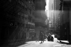 (Wilson Au | ) Tags: blackandwhite film monochrome backlight 35mm hongkong snapshot contrejour  centraldistrict summaron leicam3 leicasummaron35mmf28 filmfilmforever rolleirpx400