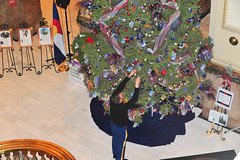 141216-Z-WF656-038 (CONG1860) Tags: usa colorado unitedstates christmastree denver governor nationalguard co cong hickenlooper ngb goldstarfamilies coloradostatecapitol coloradonationalguard treeofhonor goldstarreception cong1860