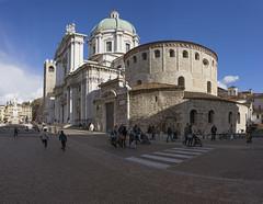 Duomo vecchio e Duomo nuovo (Il conte di Luna) Tags: piazza duomo brescia architettura a7r