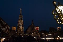 Markt der Lichter (subtrahierer) Tags: xmas church fountain night germany lights nikon nacht brunnen kirche weihnachtsmarkt markt christkindlesmarkt nrnberg lichter d3000