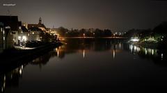 Regensburg bei Nacht (Google-Hupf) Tags: regensburg spiegelung hdr donau brcken steinernebrcke schiffahrt nachtaufnahmen ratisbona salzstadel