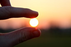 Sunset in my hand (TheGeniusLoci) Tags: sunset red sun countryside hand finger