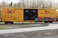 Mayor (BombTrains) Tags: road railroad art train bench graffiti paint mayor tag graf rail spray graff d30 freight nekst tbox fr8 hbb wyse benching 663807