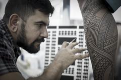 Good tattoos! (Rafafirmino) Tags: tattoo polynesia samoa tahiti maori tatuagem marquesa trao polynesiantattoo maoritattoo samoantattoo tatuagemfeminina tahititattoo tatuagemmaori tartarugamaori tatuagemdelicada tatuagensfemininas marquesantattoo traofino faixamaori