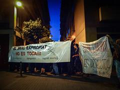 #ElBancResisteix (MarRomeroSala) Tags: barcelona street demonstration carrer banc manifestaci expropiat