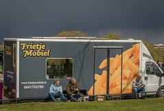 dining al fresco (stevefge (away travelling)) Tags: park people netherlands weather nijmegen candid nederland goffertpark koningsdag nederlandvandaag reflectyourworld